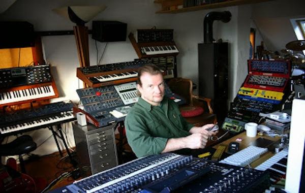 Pete Namlook in studio